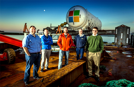 Các nhân vật chủ chốt trong team của Project Natick (từ trái qua phải): Mike Shepperd, Samuel Ogden, Spencer Fowers, Eric Peterson, Ben Cutler.