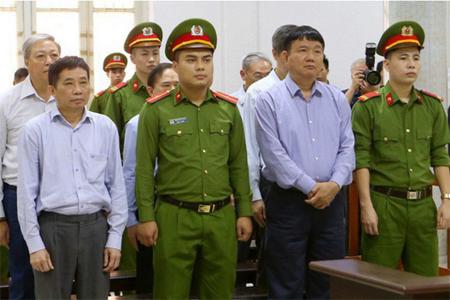 Bị cáo Đinh La Thăng cùng đồng phạm tại phiên xử sơ thẩm.