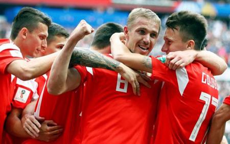 Danh tính 3 đội tuyển chính thức bị loại khỏi World Cup 2018 đã được xác định, chủ nhà Nga chính thức vào vòng 1/8.