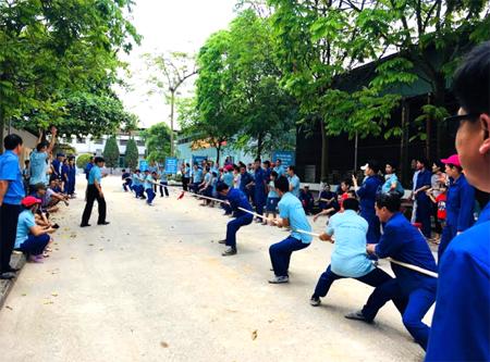 Hoạt động thi đấu thể thao tại Công ty cổ phần Sứ kỹ thuật Hoàng Liên Sơn được đông đảo công nhân tham gia, hưởng ứng.