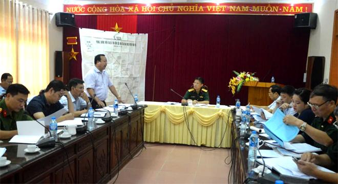 Lãnh đạo huyện Văn Yên báo cáo công tác PCTT - TKCN năm 2019.