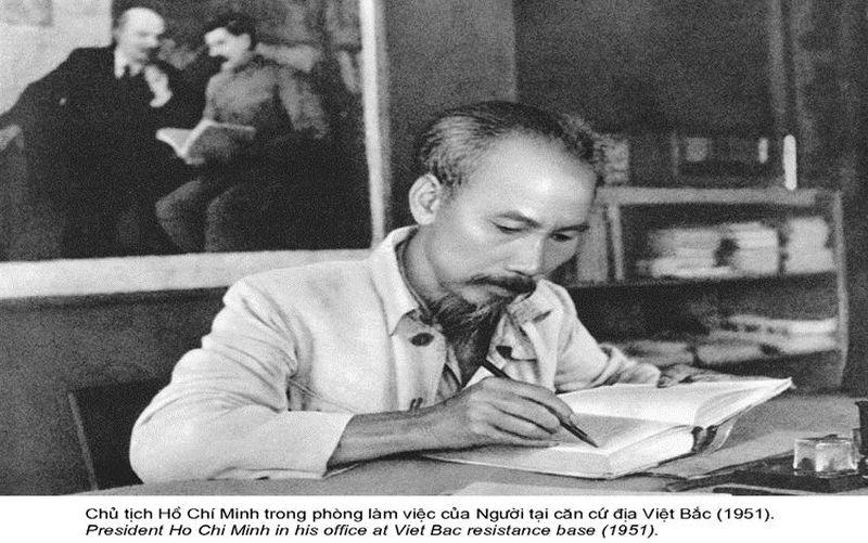 Ảnh Tư liệu tại Bảo tàng Hồ Chí Minh.
