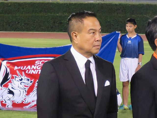 Chủ tịch LĐBĐ Thái Lan, Somyot Poompanmoung muốn tìm HLV có thể đưa bóng đá nước này trở lại vị thế số 1 Đông Nam Á.