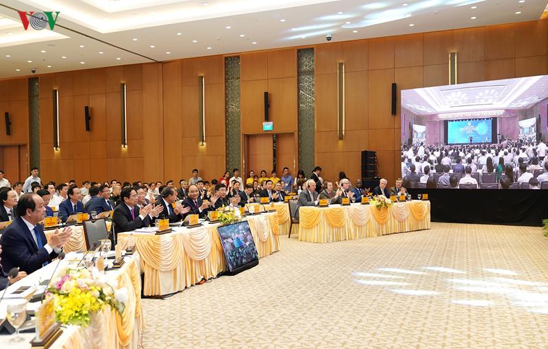 Các đại biểu dự sự kiện khai trương Hệ thống e-Cabinet.