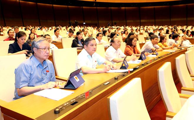 Đoàn đại biểu Quốc hội tỉnh Yên Bái tham dự Kỳ họp. (Ảnh: Doãn Tấn)