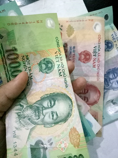 Hành động trả lại 30 triệu đồng cho người đánh mất của chị Vũ Hồng Khanh, Công nhân Công ty cổ phần Môi trường và Năng lượng Nam Thành Yên Bái là một việc làm đáng được biểu dương, nhân rộng. (Ảnh minh họa: T.C)