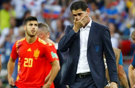HLV Hierro đã phải từ chức sau thất bại tại World Cup 2018.