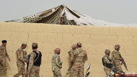 Hiện trường vụ đánh bom liều chết đẫm máu nhất trong lịch sử Pakistan.