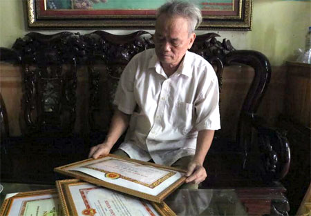 Ông Nguyễn Ngọc Diện luôn tích cực tham gia các hoạt động của địa phương, được nhân dân quý mến.