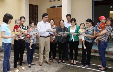 Làm tốt công tác truyền thông nhằm tăng cường nhận thức cho người dân về công tác DS-KHHGĐ.