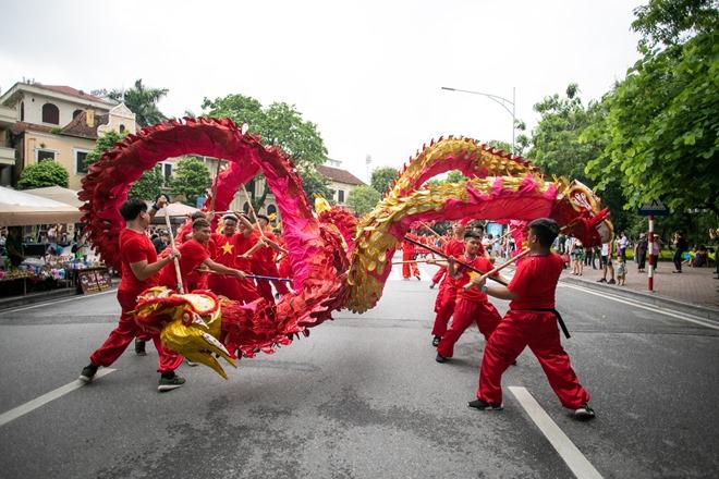 Lễ hội đường phố mừng 20 năm Hà Nội – Thành phố vì hòa bình