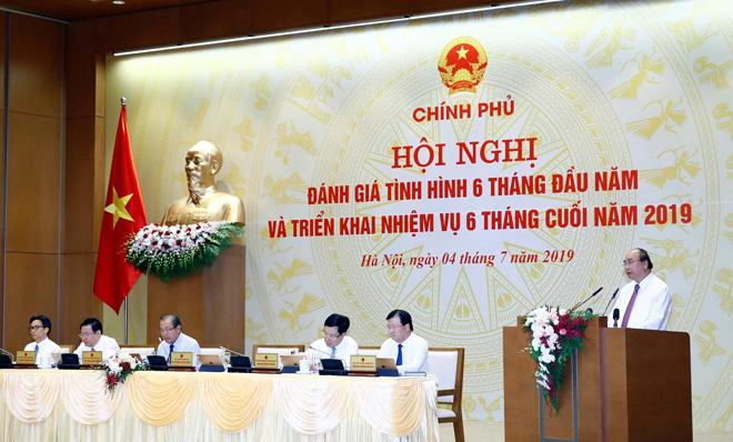 Thủ tướng Chính phủ Nguyễn Xuân Phúc phát biểu tại hội nghị.