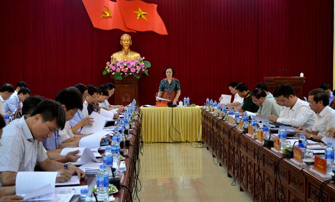 Đồng chí Bí thư Tỉnh ủy Phạm Thị Thanh Trà phát biểu chỉ đạo Hội nghị của Tỉnh ủy với các địa phương về Chương trình hành động 144-CTr/TU.