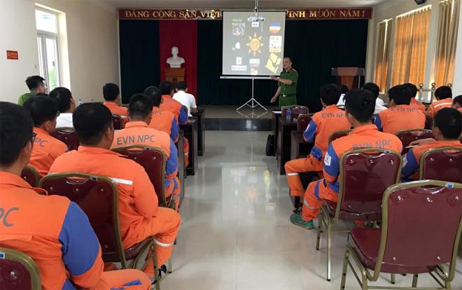 Các học viên tham gia lớp tập huấn.