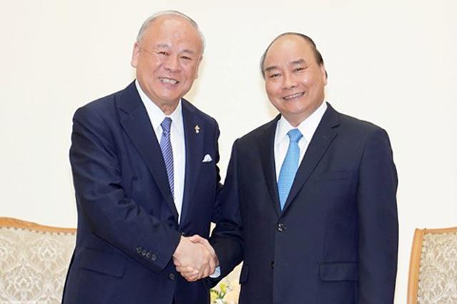 Thủ tướng Nguyễn Xuân Phúc tiếp ông Takebe Tsutomu, Cố vấn Đặc biệt Liên minh Nghị sĩ Hữu nghị Nhật-Việt