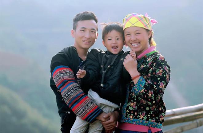 Nam giới có trách nhiệm chia sẻ với nữ giới trong thực hiện KHHGĐ và nuôi dạy con cái.