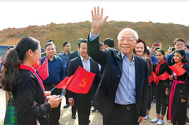 Tổng Bí thư, Chủ tịch nước Nguyễn Phú Trọng cùng các đồng chí lãnh đạo tỉnh tham dự