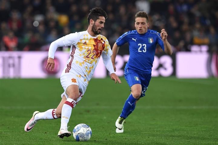 Tây Ban Nha và Italy gặp nhau ở vòng loại trực tiếp của 4 kỳ EURO liên tiếp.