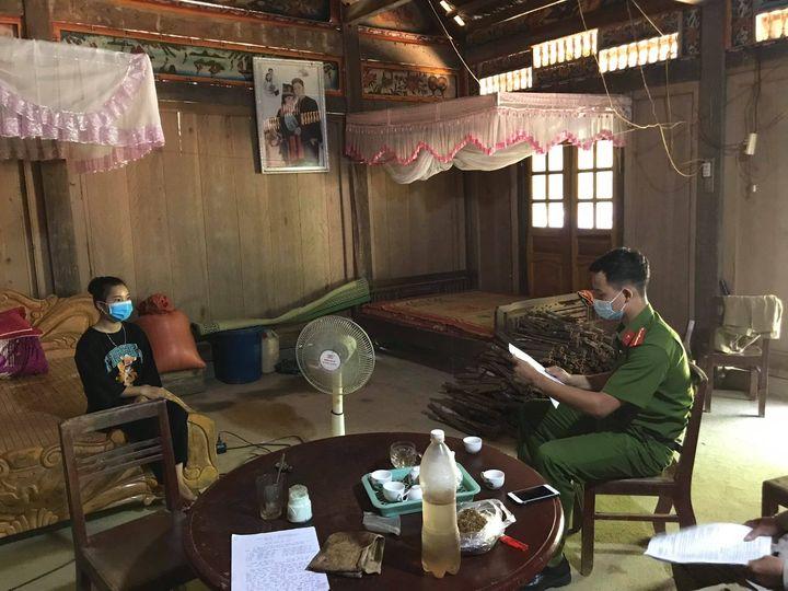 Trong 2 ngày 26 và 27/7/2021, xã Châu Quế Hạ (huyện Văn Yên) đã  xử phạt 3 trường hợp trốn cách ly y tế, mỗi trường hợp 5.000. 000 đồng. Ảnh: Thu Nhài