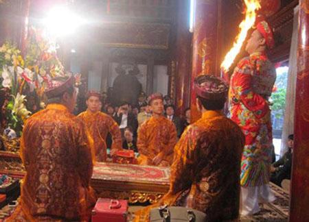 Di sản văn hóa Thực hành Tín ngưỡng thờ Mẫu Tam phủ.