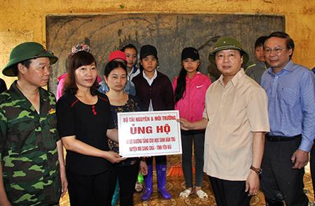 Tính đến 14 giờ ngày 19/8 đã có 222 tập thể, cá nhân tham gia ủng hộ huyện Mù Cang Chải.