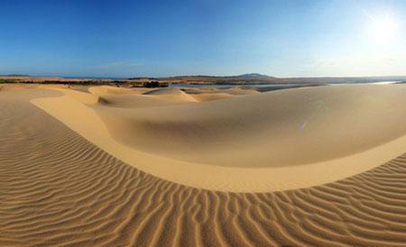 Cồn cát Quang Phú, một điểm du lịch hấp dẫn ở Quảng Bình.