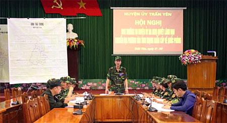 Hội nghị Ban Thường vụ Huyện ủy ra nghị quyết lãnh đạo chuyển địa phương vào trạng thái khẩn cấp về quốc phòng.