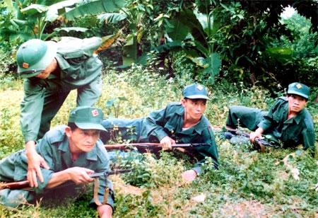Lực lượng dân quân xã Văn Phú luôn thực hiện tốt chương trình huấn luyện, bảo đảm sẵn sàng chiến đấu.