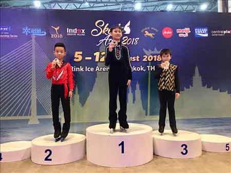 VĐV nhí Nguyễn Linh Chi (9 tuổi) giành HCV nội dung Open Free Style 5, HCĐ nội dung Artisic free style 5.