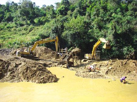 Khai thác khoáng sản cần kiểm soát chặt chẽ trách nhiệm bảo vệ môi trường của đơn vị khai thác. (Ảnh minh họa)