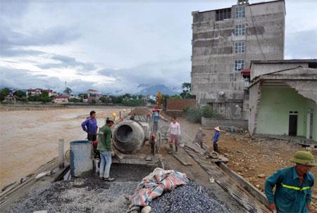 Liên danh Công ty TNHH một thành viên Minh Đăng - Công ty TNHH Xây dựng Sơn Tùng đẩy nhanh tiến độ thi công gói thầu số 6.