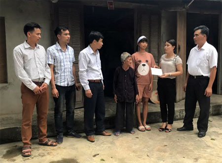 Các tổ chức, cá nhân giúp đỡ em Nguyễn Thị Hiếu.