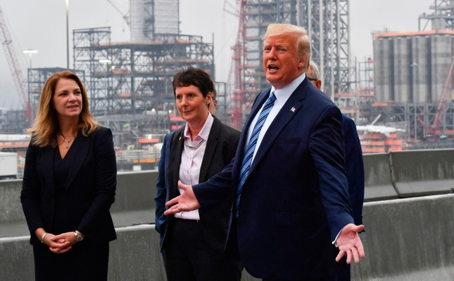 Tổng thống Mỹ D.Trump tới thăm một nhà máy hóa chất tại bang Pennsylvania, ngày 13/8.