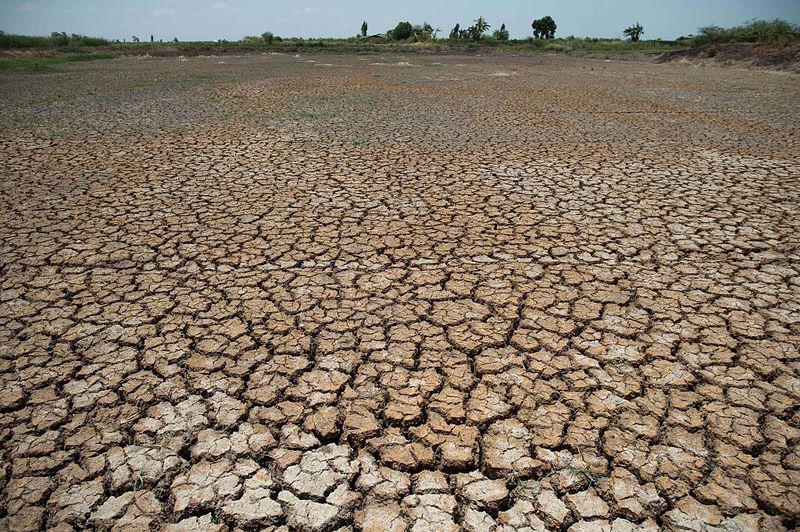 Thủ tướng Thái Lan đề nghị miễn tiền nước cho người dân vùng hạn hán.