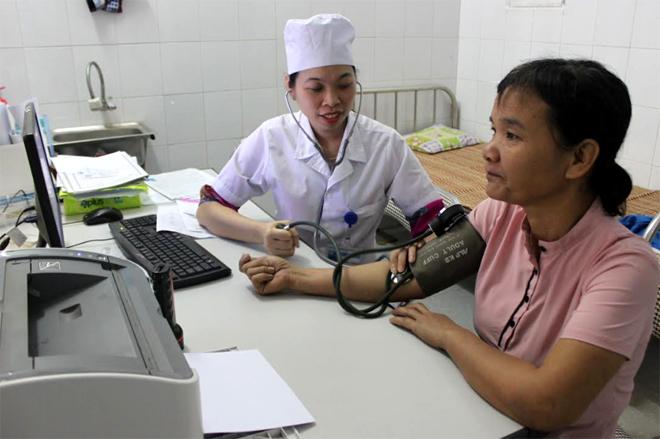 Người tham gia bảo hiểm y tế khám bệnh tại cơ sở y tế (ảnh minh họa).