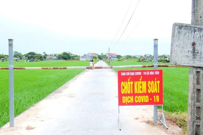 Huyện Hưng Hà phong tỏa thôn Bùi, xã Hòa Tiến nơi có người nhiễm COVID-19.