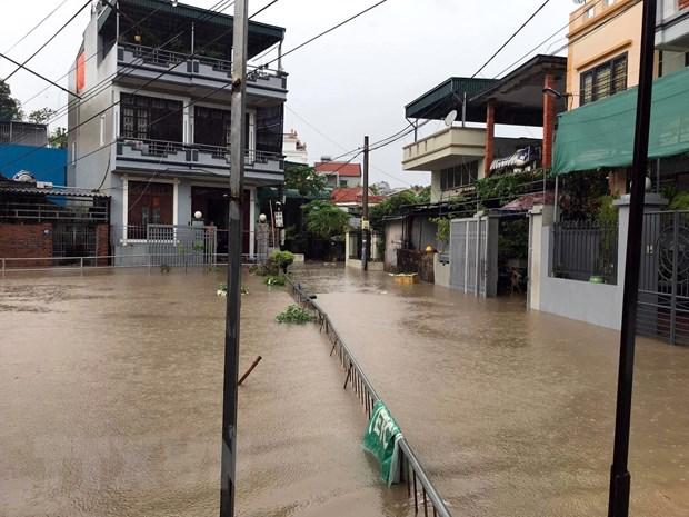 Mưa lớn gây ngập lụt ở khu 1, phường Cao Xanh, thành phố Hạ Long.