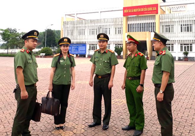 Ban Giám đốc Công an tỉnh và lãnh đạo Phòng An ninh chính trị nội bộ tổ chức các đoàn kiểm tra công tác chuẩn bị, phân công lực lượng bảo đảm an ninh trật tự tại các điểm thi trên địa bàn toàn tỉnh trong chiều 8/8.