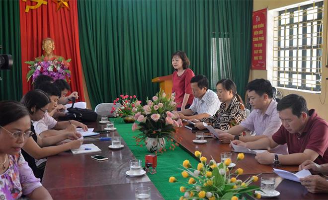 Hoạt động tiếp xúc cử tri đã có sự phối hợp chặt chẽ giữa các tổ đại biểu HĐND tỉnh với Thường trực HĐND, UBND và ủy ban MTTQ các cấp. (Ảnh: Đức Toàn)