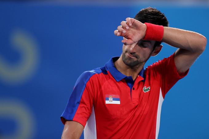 Djokovic thua liền ba trận trong hai ngày cuối Olympic Tokyo.