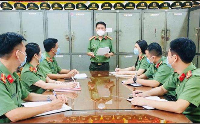 Buổi sinh hoạt chuyên đề thực hiện Nghị quyết Trung ương 4 khóa XII gắn với Chỉ thị số 05 của Bộ Chính trị tại Chi bộ Phòng An ninh chính trị nội bộ, Công an tỉnh.