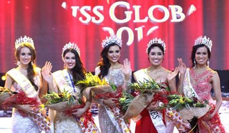 Angela Bonilla (giữa) đăng quang ngôi vị Hoa hậu Toàn cầu 2016