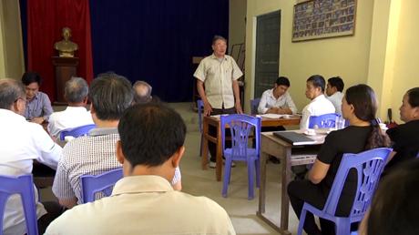 Buổi sinh hoạt định kỳ của Chi bộ thôn Hương Lý, xã Đại Đồng huyện Yên Bình.