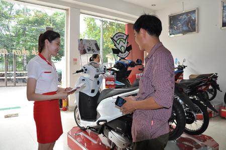 Học Bác về tinh thần phục vụ nhân dân, cán bộ, đảng viên Đảng bộ Tổng Công ty Hòa Bình Minh luôn giao tiếp ân cần, tận tâm với khách hàng.