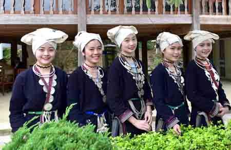 Thiếu nữ Dao trong trang phục truyền thống. Ảnh: Báo Tuyên Quang
