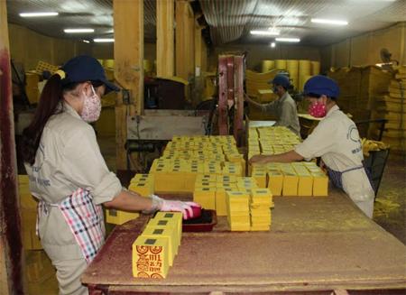 Sản xuất giấy vàng mã xuất khẩu tại Công ty cổ phần Lâm nông sản thực phẩm Yên Bái.
