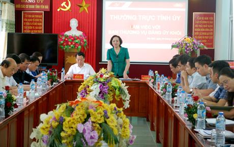 Bí thư Tỉnh ủy Phạm Thị Thanh Trà định hướng những nội dung cần làm rõ tại buổi làm việc.