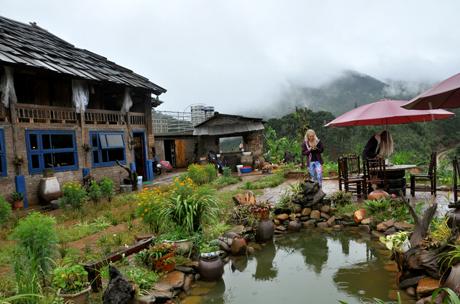 Mù Cang Chải Ecolodge  tại bản Hua Khắt, xã Nậm Khắt - điểm nghỉ dưỡng sinh thái mới được khai trương trung tuần tháng 7/2017 đang thu hút du khách.