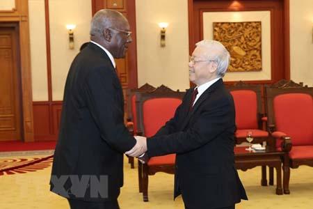 Tổng Bí thư Nguyễn Phú Trọng tiếp ông Salvado Valdés Mesa, Ủy viên Bộ Chính trị, Phó Chủ tịch thứ nhất Hội đồng Nhà nước và Hội đồng Bộ trưởng Cộng hòa Cuba.
