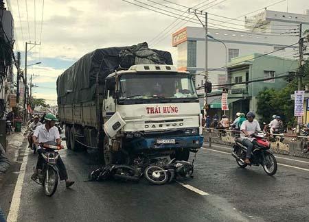 Chiếc xe tải gây tai nạn làm 10 người bị thương